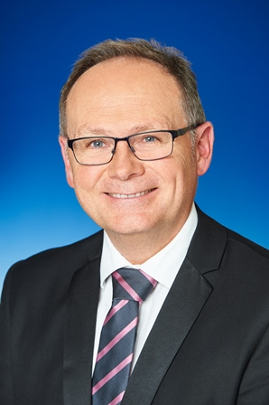 Portrait of Hon David Templeman MLA